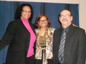Zr. Marisol, gospelsinger Junaida Ferero en pastor Roy