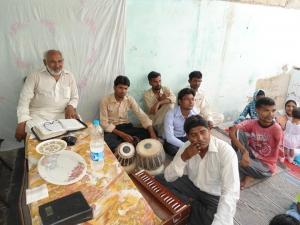 Steun gebouw voor Bijbel studie in Pakistan
